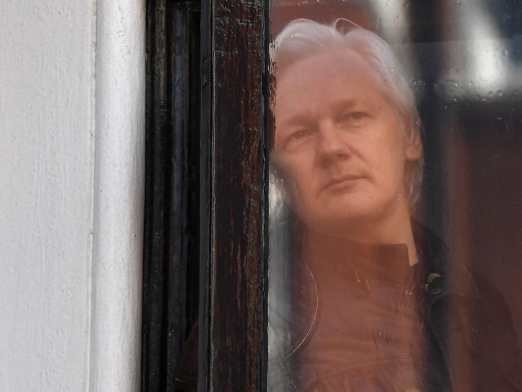 Ekuador Mata-matai Pendiri WikiLeaks di London