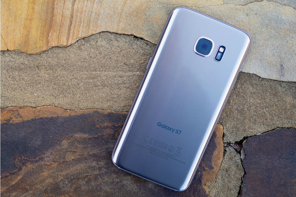 Bermasalah, Samsung Setop Distribusi Android Oreo untuk Galaxy S7