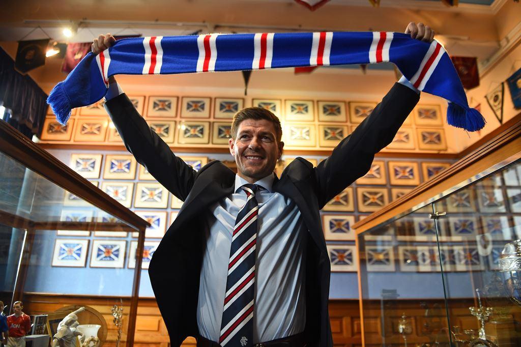 Gerrard Ingin Datangkan eks Rekan Satu Timnya?