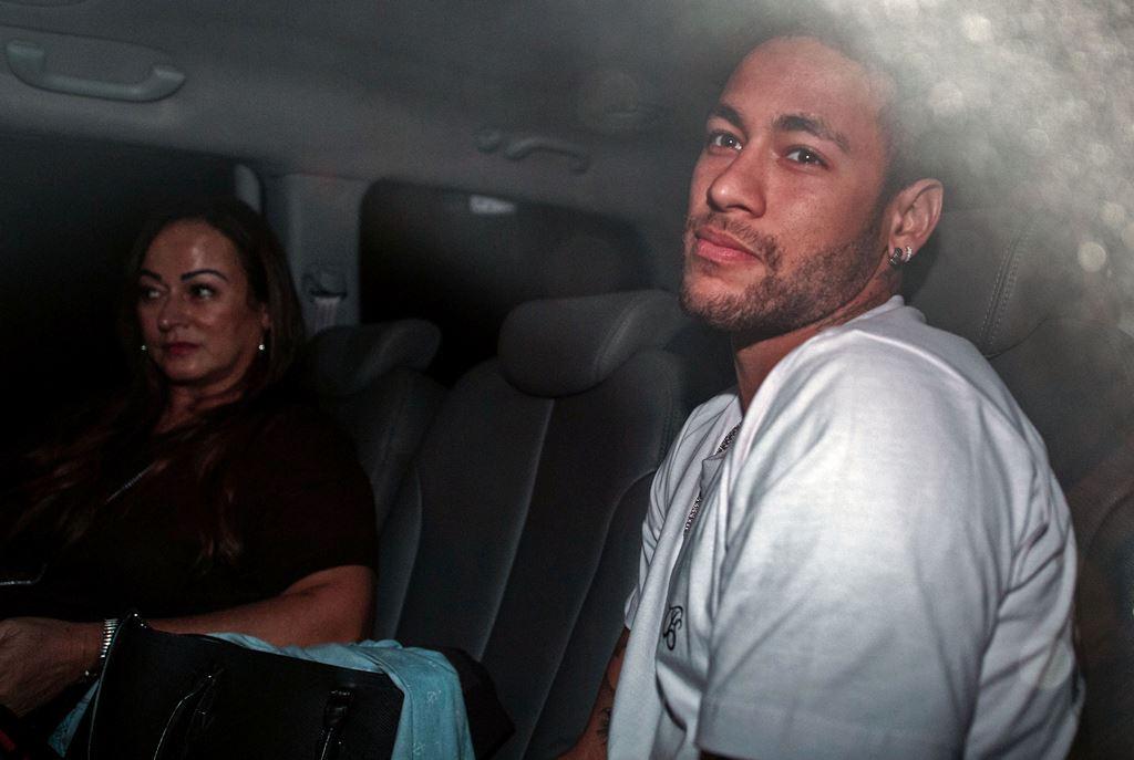 Kesan Neymar usai Menjalani Operasi Kaki