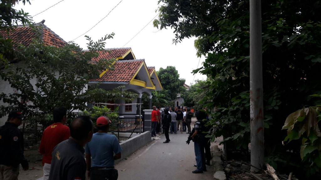 Terduga Teroris Cirebon Berjualan Cilok