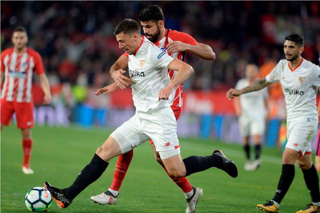 Bek Sevilla Capai Kesepakatan dengan Barcelona