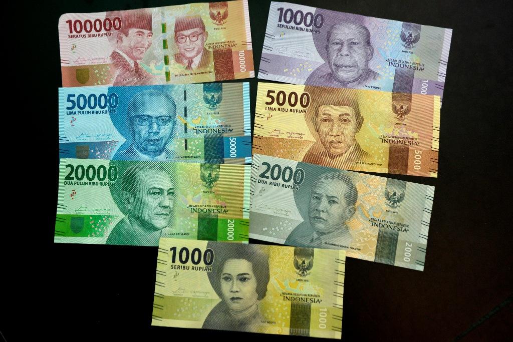 Rupiah Pagi Dibuka Menguat Tipis ke Rp14.053/USD