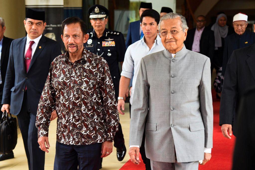 PM Mahathir Merangkap sebagai Menteri Pendidikan Malaysia