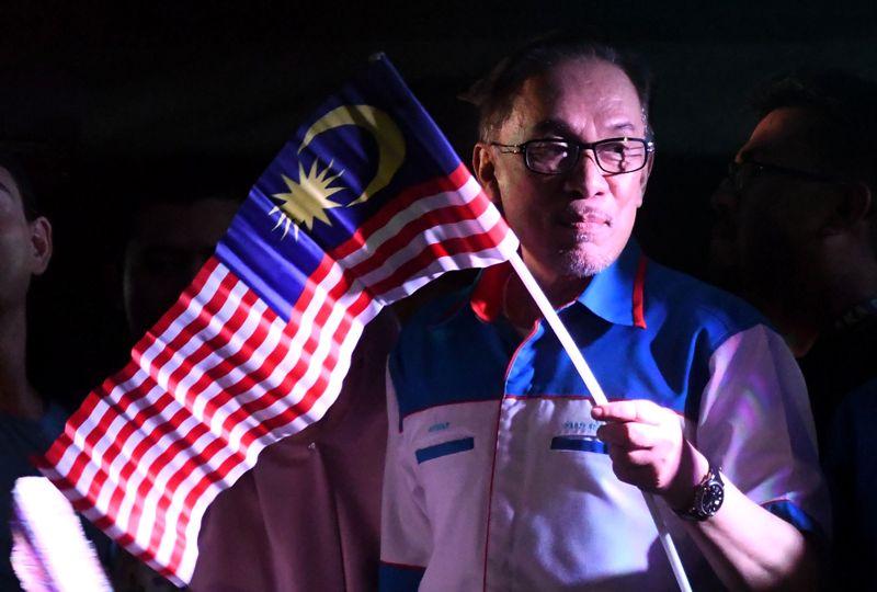 Kalah Pemilu, Najib Razak Minta Nasihat ke Anwar Ibrahim