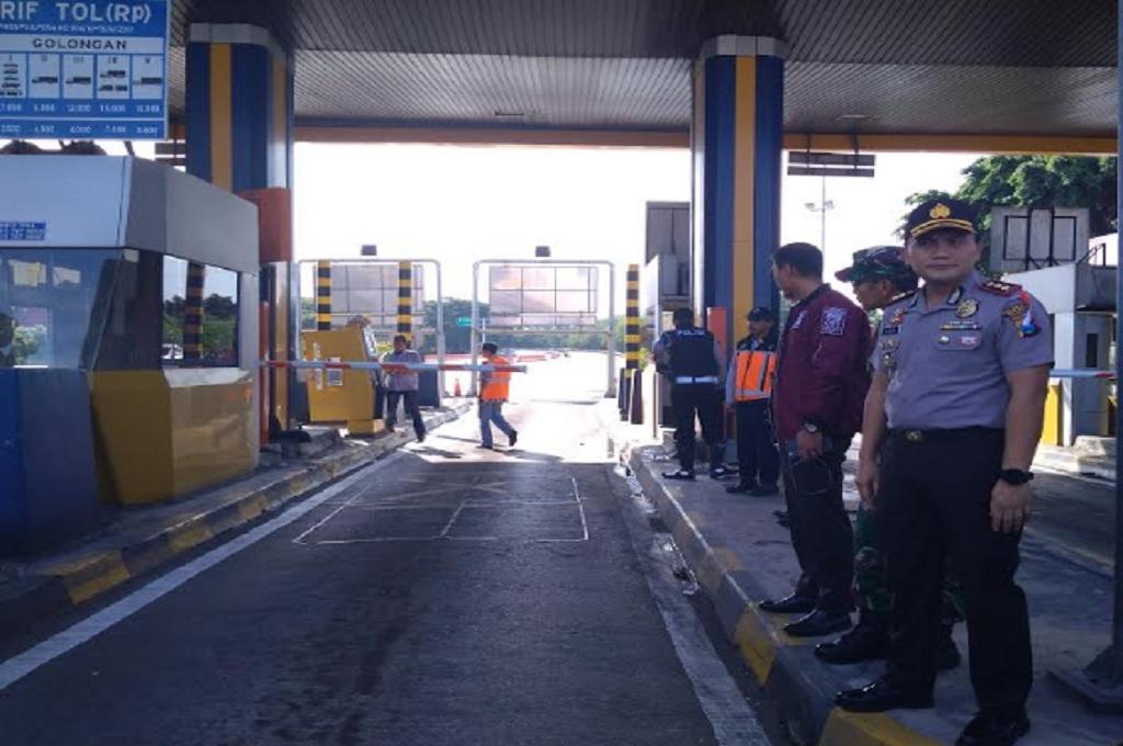 Benda Diduga Peledak Dibuang di Gerbang Tol Sidoarjo