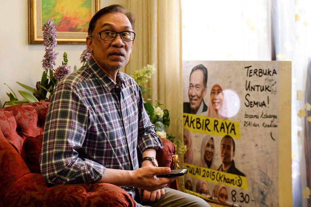 Anwar Sempat Dua Kali Ditelepon Najib Razak