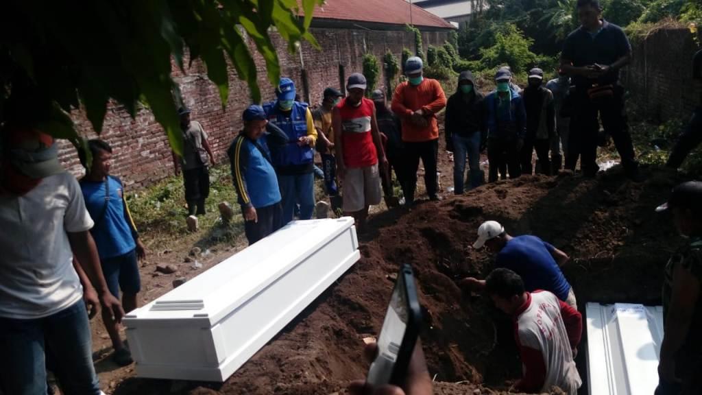 Tujuh Terduga Teroris Dimakamkan di Sidoarjo