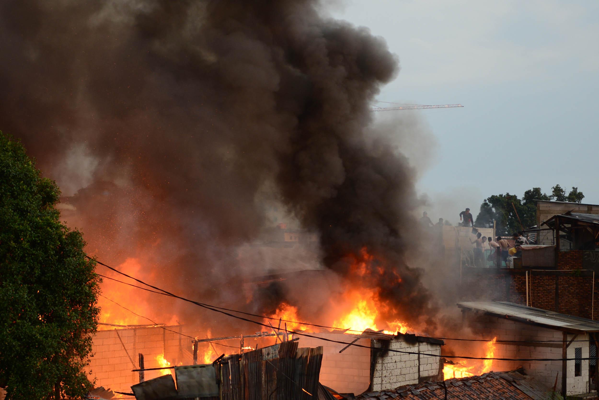 Permukiman Dekat Pasar Gembrong Terbakar