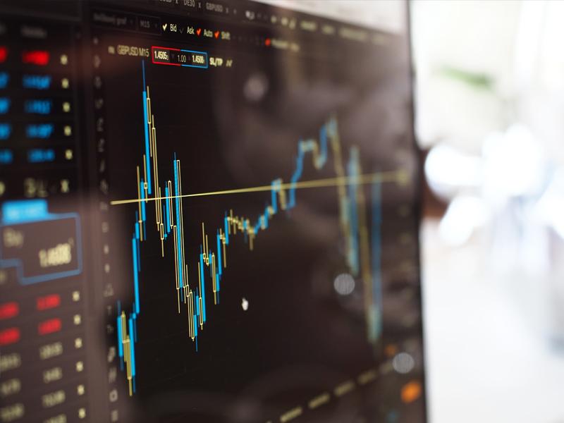 Saham TRUK Melesat 114 Poin di IPO Perdana