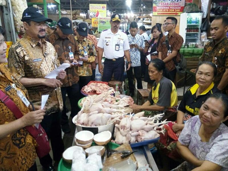 Harga Ayam dan Bawang Putih di Solo Naik