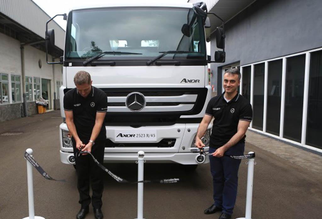 Mercedes-Benz Kenalkan Axor 2523 R, Truk Baru untuk Logistik