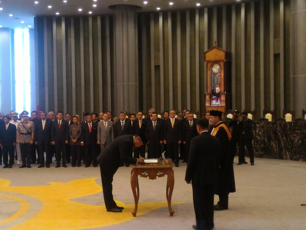 Perry Warjiyo Resmi Jabat Gubernur Bank Indonesia