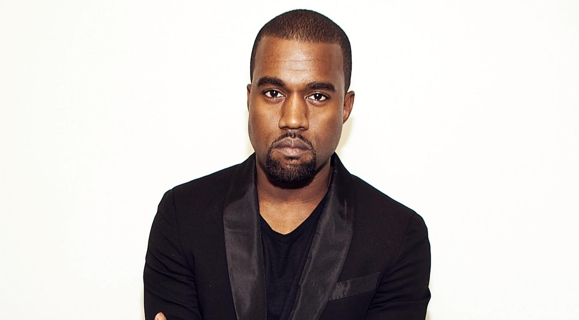 Kanye West Beli Foto Kamar Mandi Whitney Houston Senilai Rp1 M