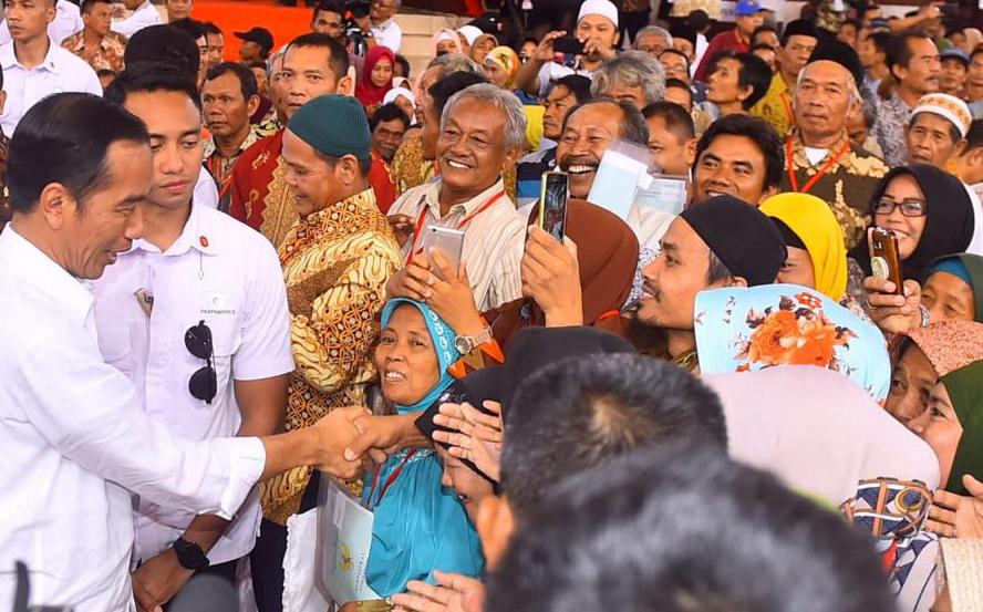 Jokowi Bayar Zakat Rp50 Juta via Baznas