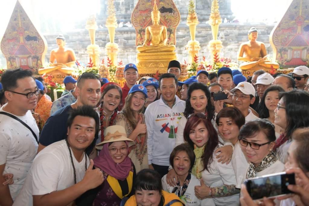 Menpora Ajak Pemuda Buddha Tebar Kasih Sayang