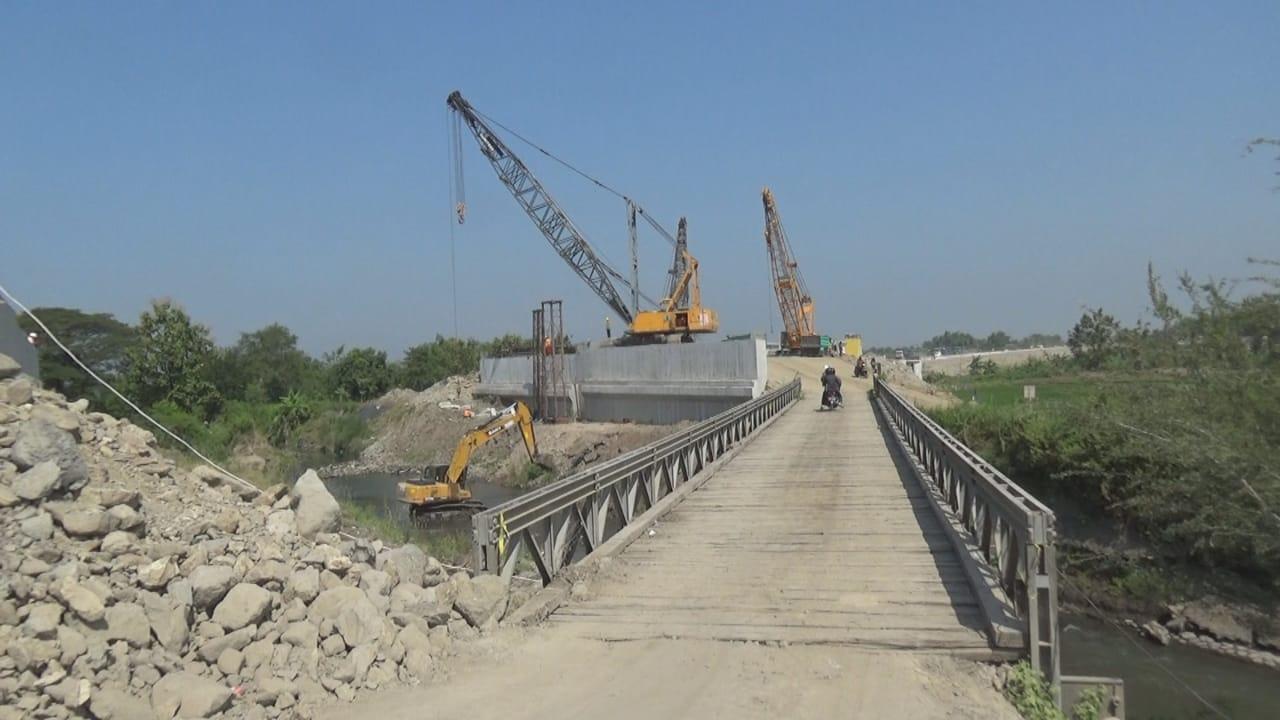 Jembatan Penghubung Tol Jombang-Solo Diminta Rampung H-10 Lebaran