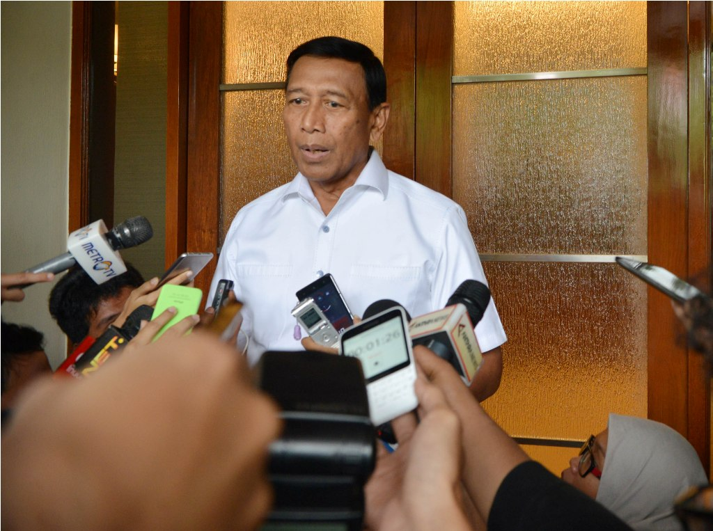 Respons Wiranto soal Wacana Pertemuan Jokowi-Amien Rais