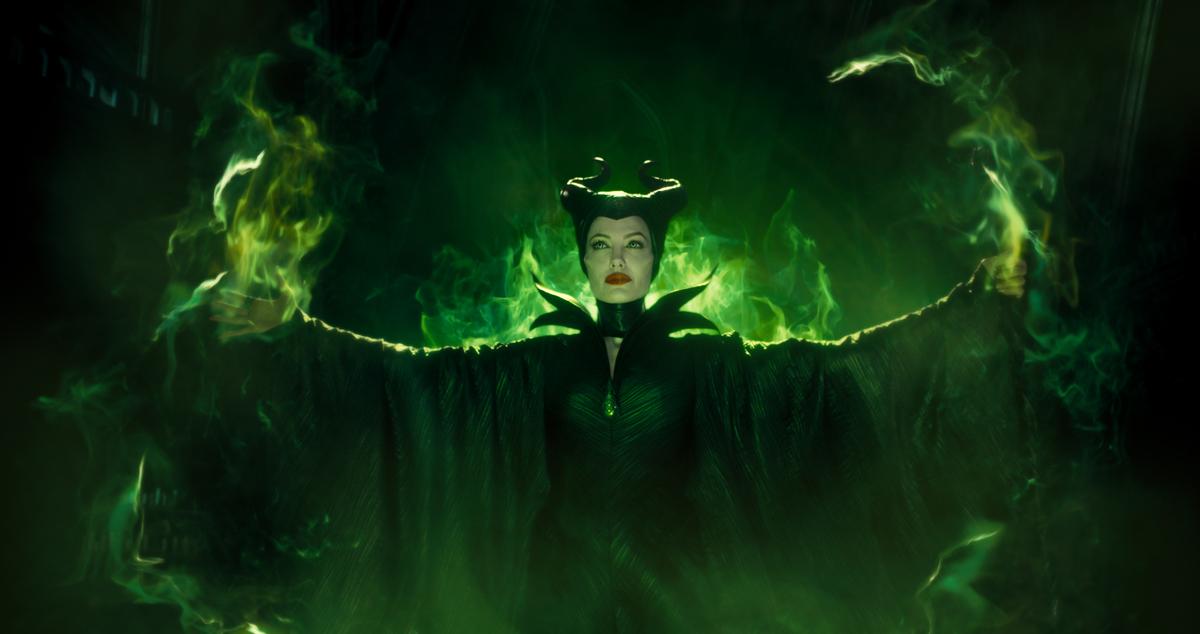 Angelina Jolie dan Elle Fanning Reuni di Film Maleficent 2