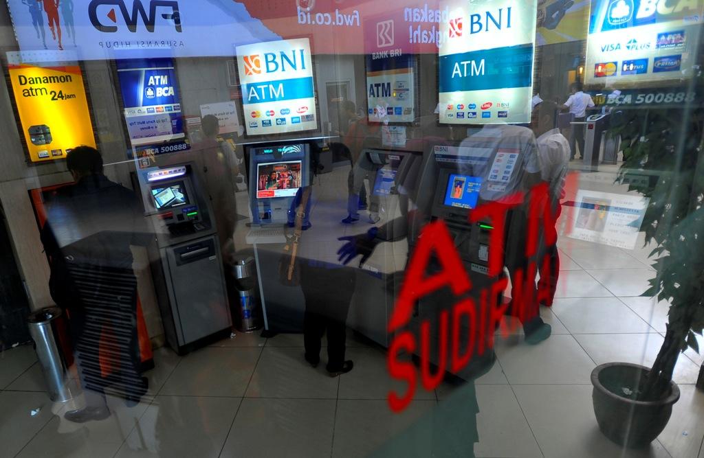 April, Kredit Perbankan Tumbuh 8,9%