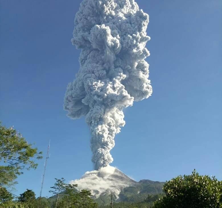 Gunung Merapi Meletus, Masyarakat Kembali Mengungsi