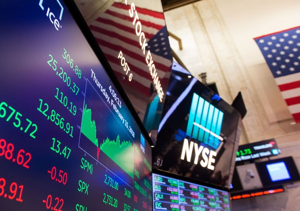 Wall Street Berakhir Perkasa