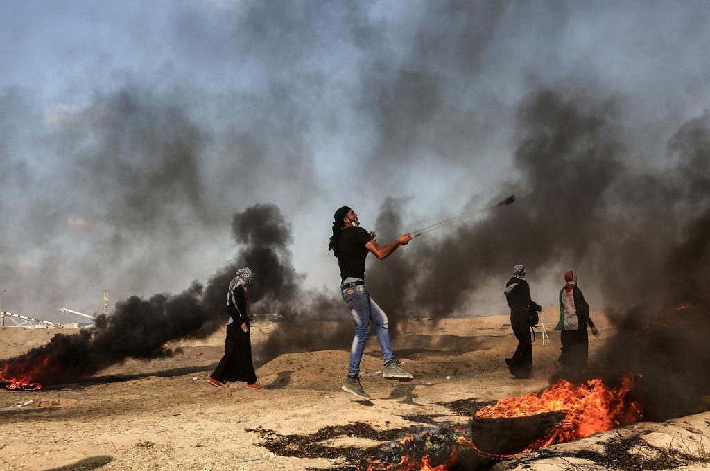 Relawan Medis Wanita Ditembak Mati Israel di Perbatasan Gaza