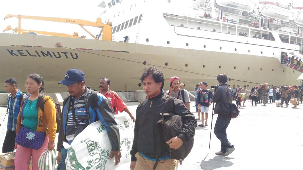 Arus Mudik di Pelabuhan Tanjung Emas Mulai Terasa