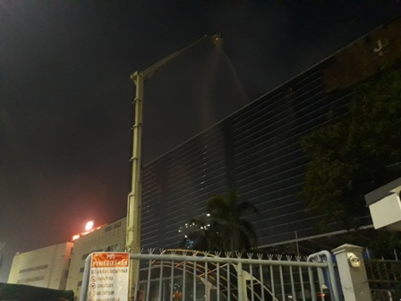 Korban Terjebak Kebakaran Gedung di PRJ Dievakuasi