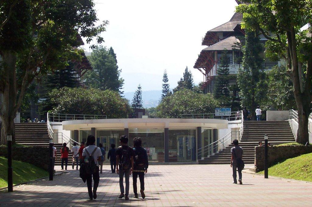 ITB Lindungi Mahasiswa Baru dari Radikalisme