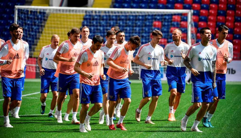Rusia, Tuan Rumah dengan Ranking FIFA Terendah
