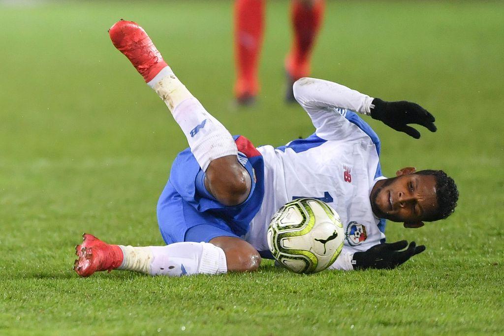 Retak Tulang Kaki, Bintang Panama Batal ke Piala Dunia 2018