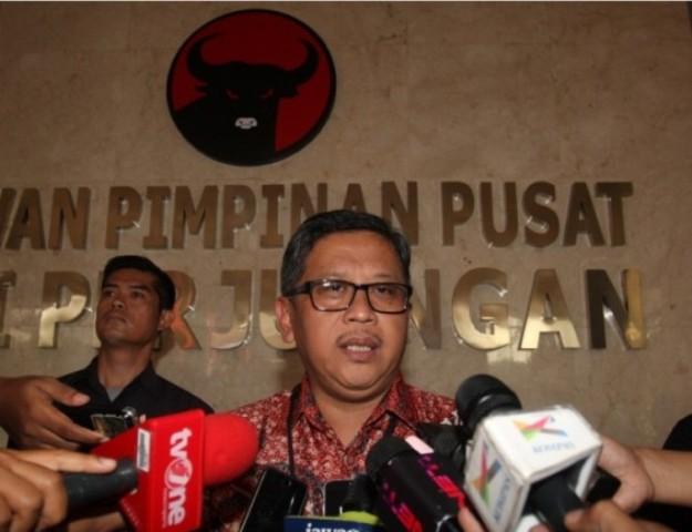 Hasto Sebut KTP-el Djarot Diberikan Wali Kota Medan