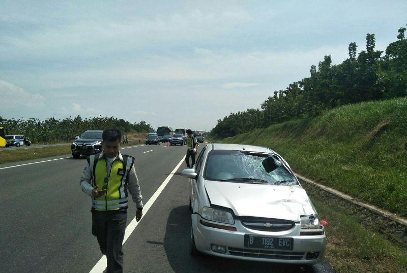 Dua Petugas Derek Tewas Ditabrak di Indramayu