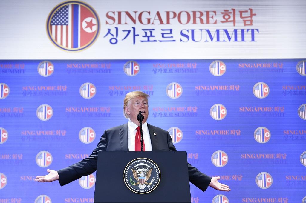 Trump akan Hentikan Latihan Perang di Semenanjung Korea