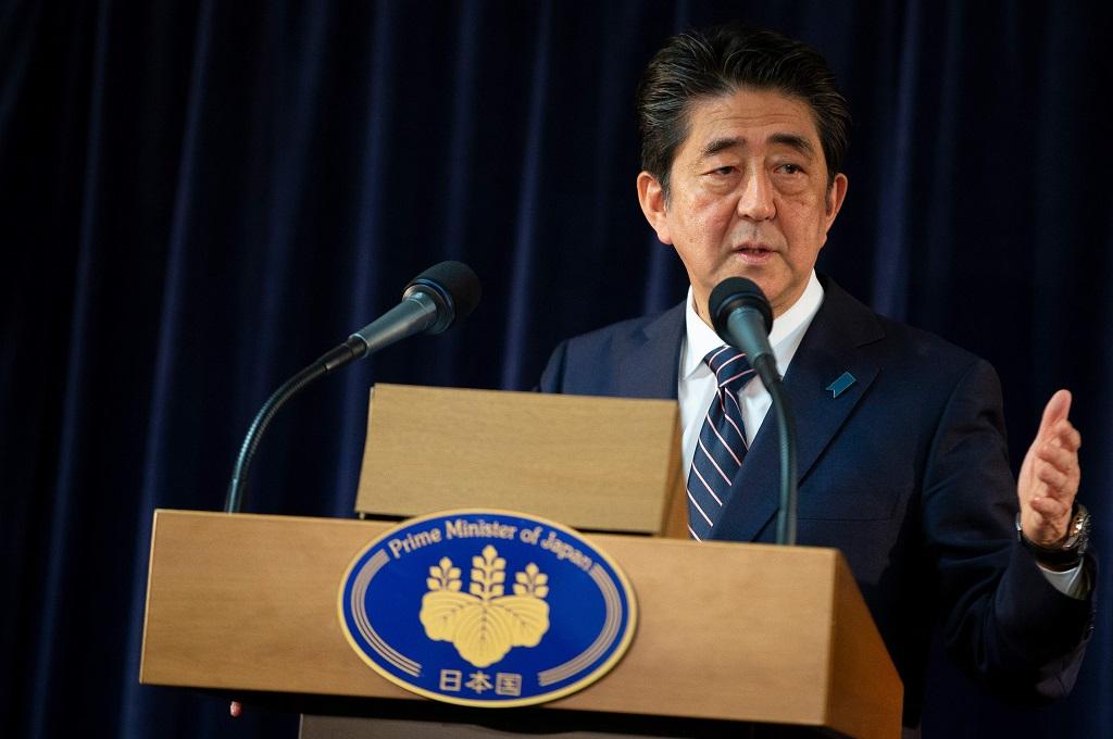 Jepang Sebut Pertemuan Trump-Kim Langkah Awal Denuklirisasi