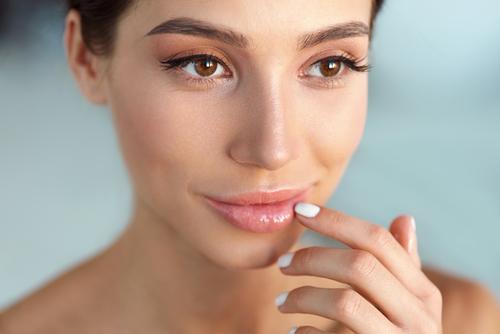 Ingin Bibir Terlihat Tebal Tanpa Menggunakan Filler? Lakukan 5 Cara Ini
