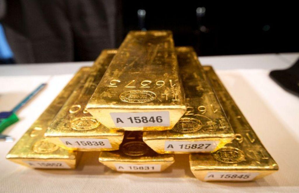 Emas Dunia Perkasa Didukung Pelemahan USD