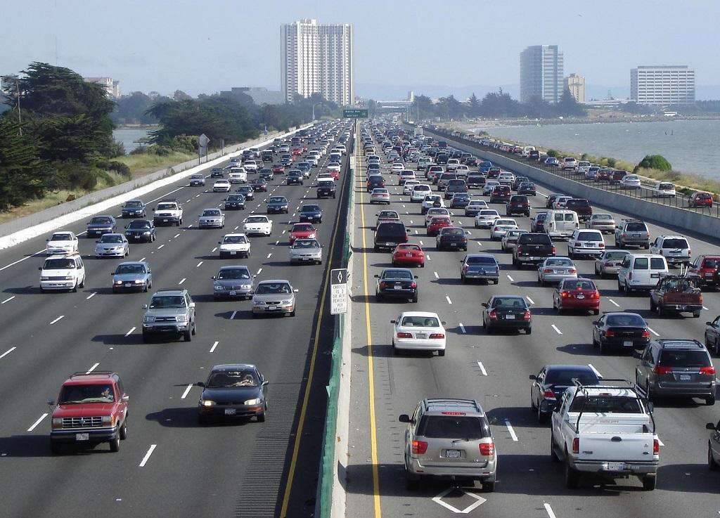 Kurangi Kemacetan, Tiongkok Pasang RFID di Mobil