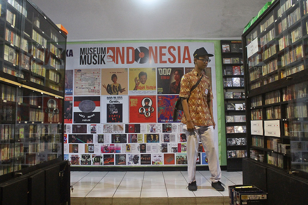 Sekolah Musik Indonesia Luncurkan Dunia Kita