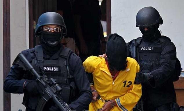 Densus 88 Tangkap Terduga Teroris di Malam Takbiran