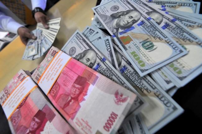 Rupiah Capai Rp14.090/USD