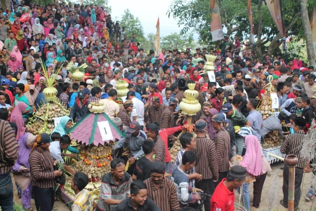 Tradisi Sewu Kupat di Kudus Pikat Wisatawan