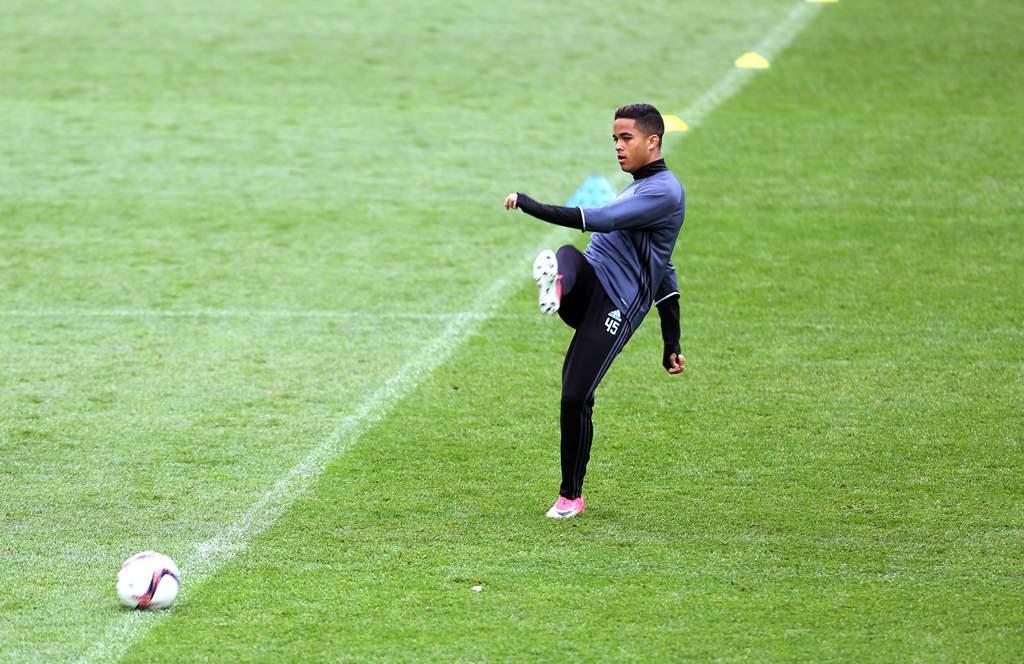 AS Roma Resmi Dapatkan Pemain Muda Belanda