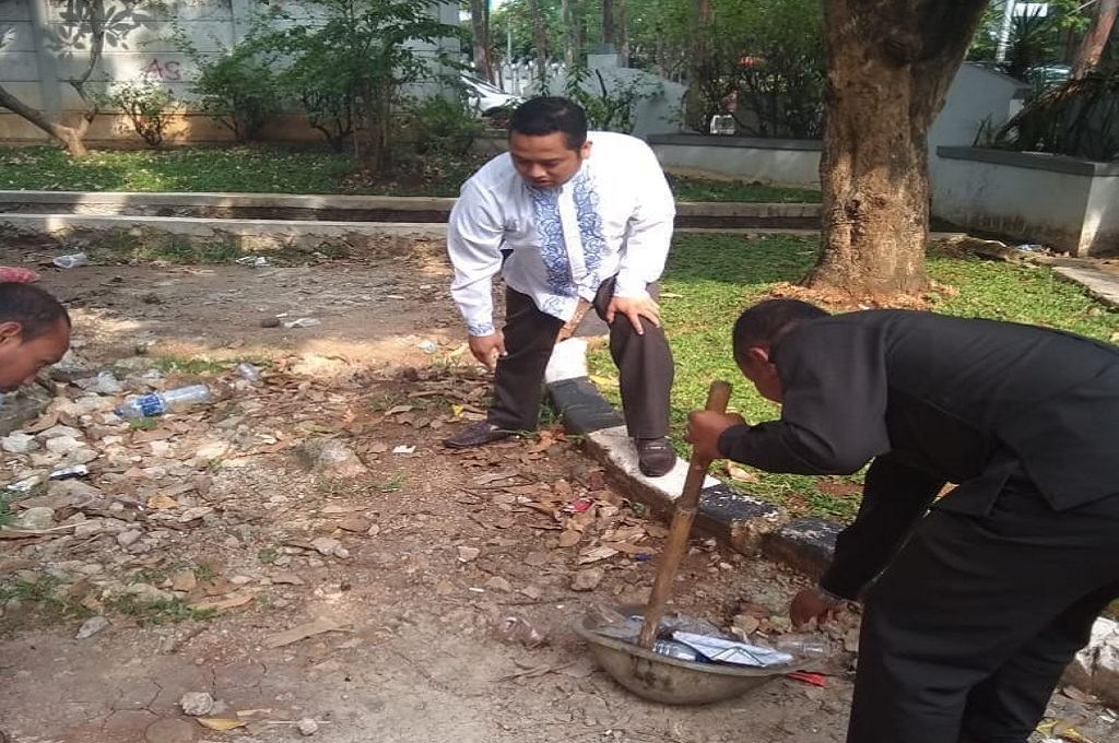 Kembali Bertugas, Wali Kota Tangerang Terkejut Sampah Berserakan