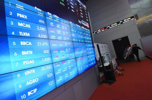 JCI Up 0.49% in First Session