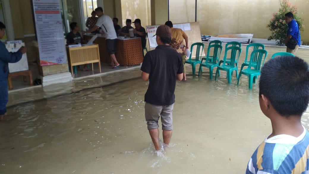 TPS di Pekanbaru Banjir