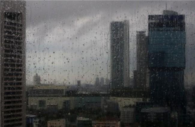 Hujan Diperkirakan Guyur Jakarta di Siang Hari