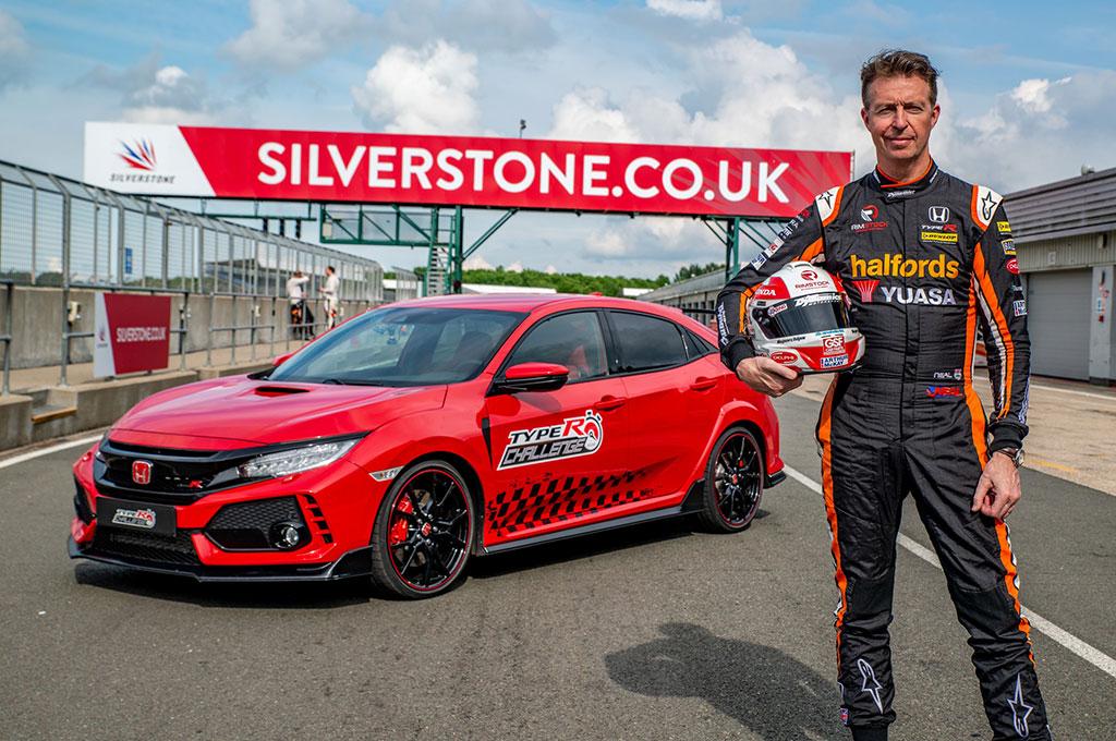 Honda Civic Type R Cetak Rekor di Sirkuit Silverstone
