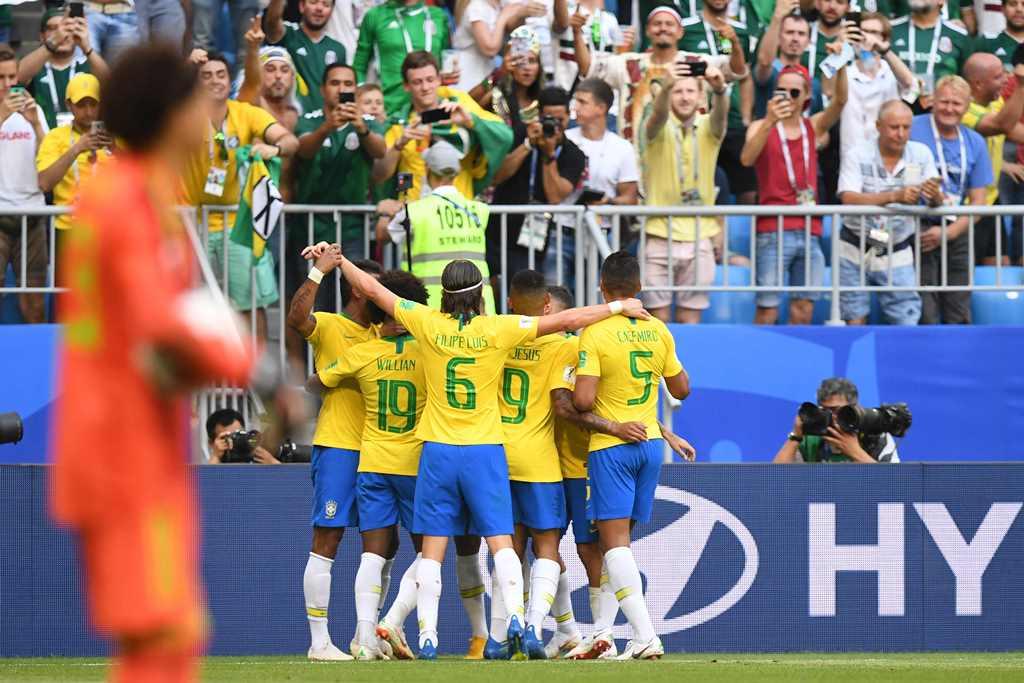 Neymar Bawa Brasil Melangkah ke Perempat Final